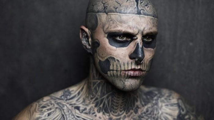 Самые татуированные люди: зомби-бой