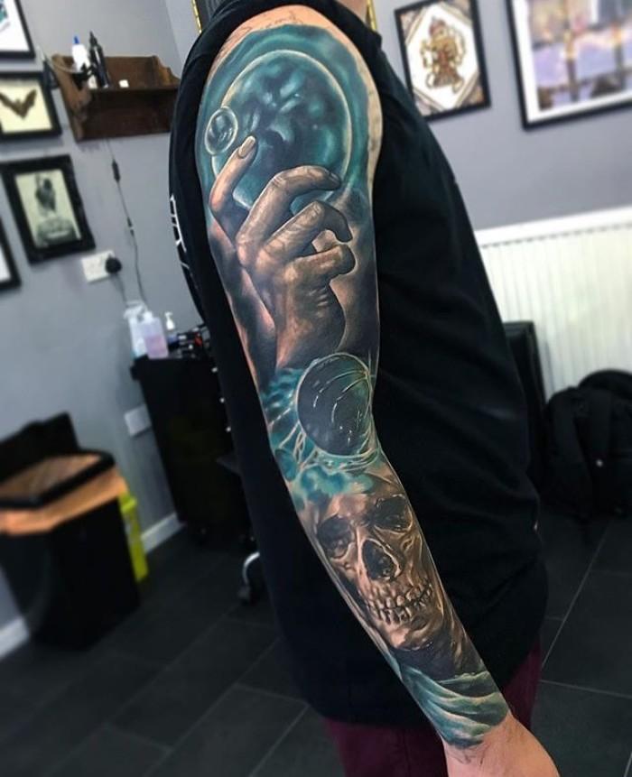 Татуировка - 2056