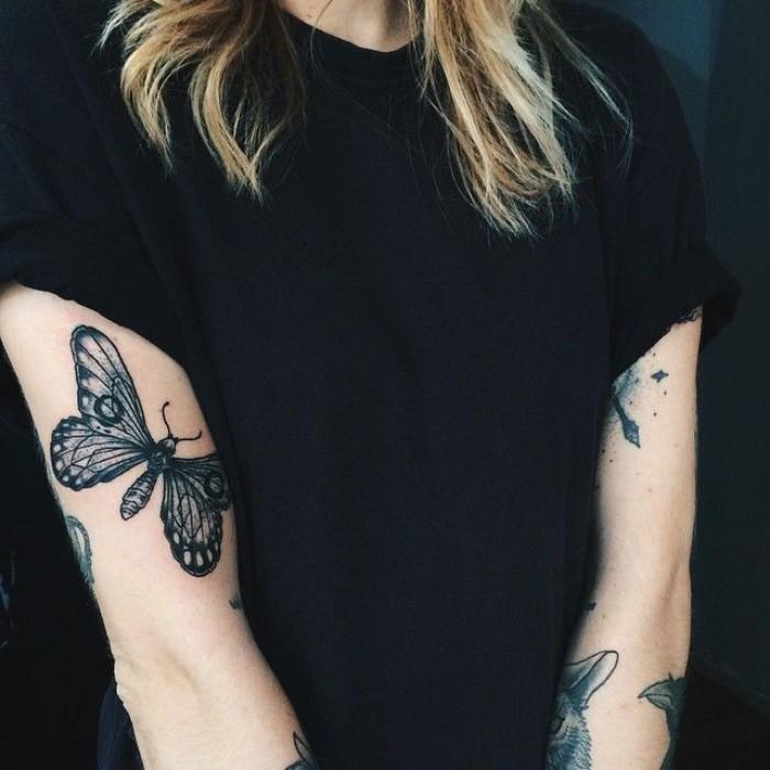 Татуировка на плечах